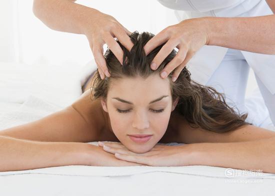 头发油怎么办 油性头发护理方法