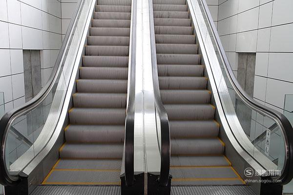 小孩乘坐扶梯有什么注意事项,这些经验不可多得