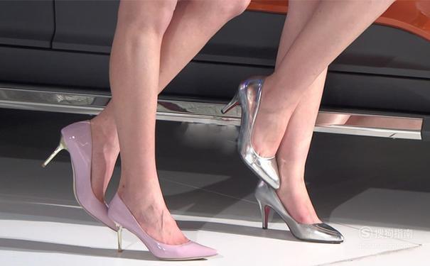 鞋子磨脚怎么办?新鞋子磨脚如何处理? 来充电吧