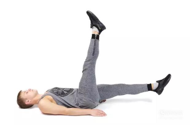 每天坚持锻炼6分钟半个月练出八块腹肌