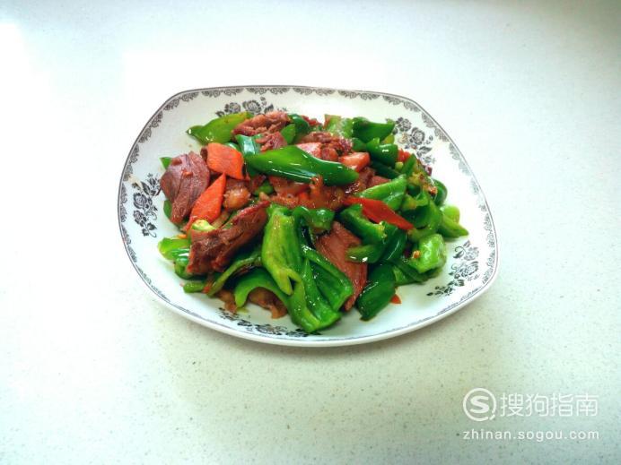 青椒炒猪头肉的家常做法 详情介绍