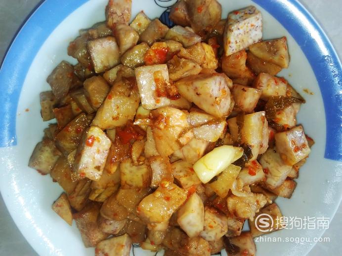 香辣芋头瘦肉丁的做法