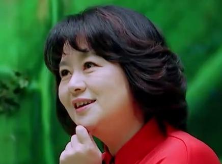 鞠萍姐姐化身围裙妈妈机智上线