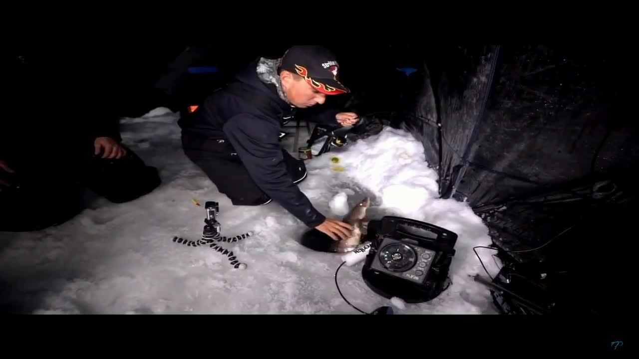 玩冰钓的常见,但是冰钓鲟鱼的你见过么?