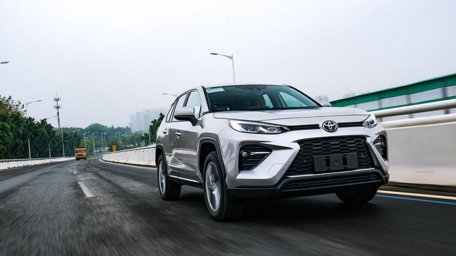 一上市就火到刷屏,丰田最新20万级家用SUV实力终于曝光了!