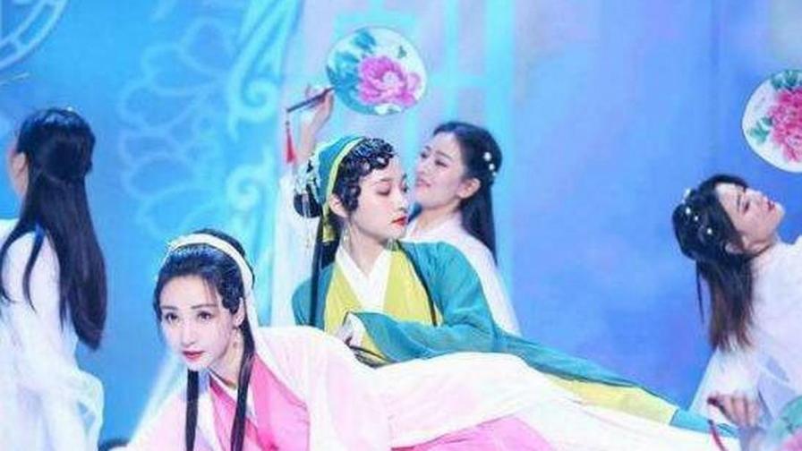 柳岩关晓彤青白蛇造型唱跳《芒种》,妩媚又灵动,太惊艳了!