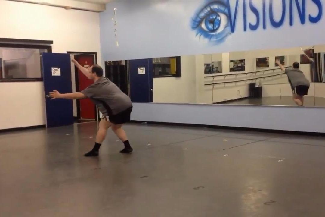 200多斤的胖子跳芭蕾舞,结果让人大跌眼镜