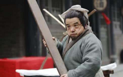 魔域私服 游戏国家一级演员陈三木,1.28米身高娶4任美妻,今与1.58米妻子超幸福
