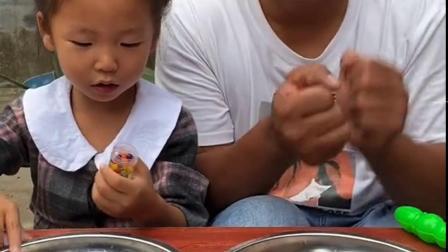 亲子互动:爸爸的泡大珠不见了!盘子里多了一只鳄鱼