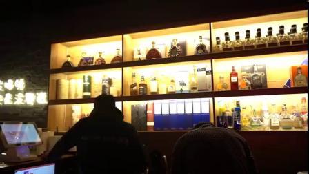 酒师耗费两年多时间,将流行西方的热红酒进行改良,在干红