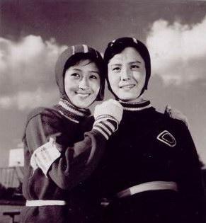 冰上姐妹剧照